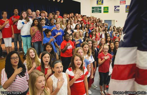 American Students Recite Pledge of Allegiance
